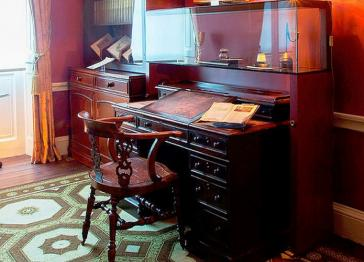 Charles Dickens' iconic desk saved for the nation